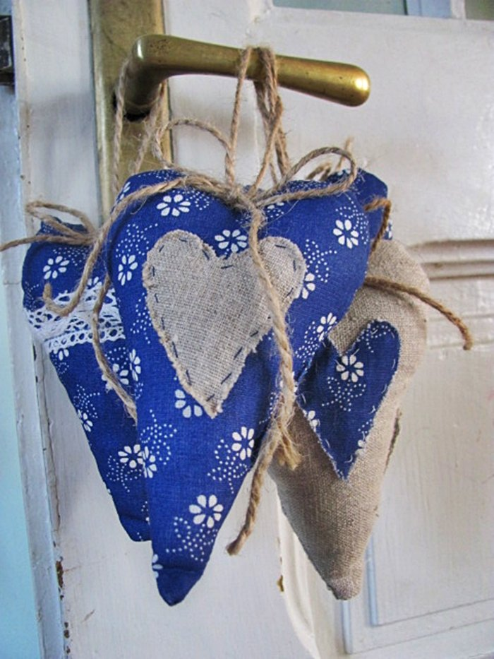 Šité textilné srdiečka z modrotlače