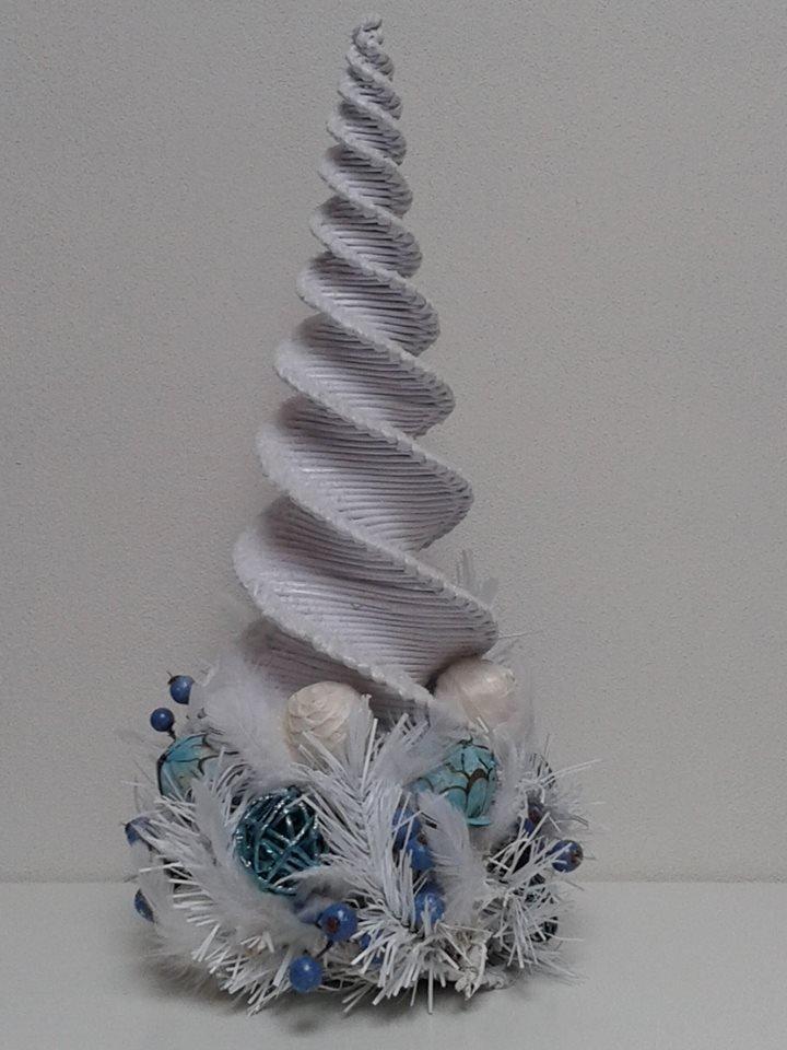 3c5352e5c stromček z kancelárskeho papiera:-)