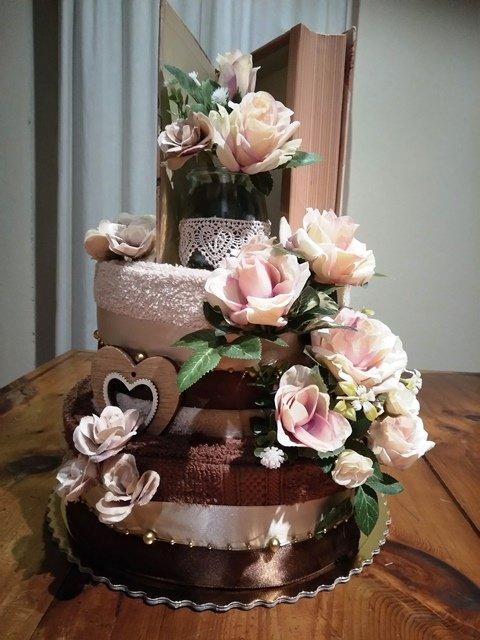 Čokoládová uteráková torta   kytka