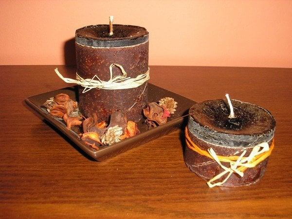 Recyklovaná hnedá sviečka