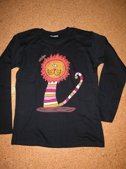 Maľované tričko s levom