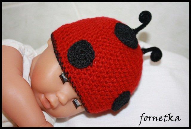 Lienka - háčkovaná čiapka pre bábätko