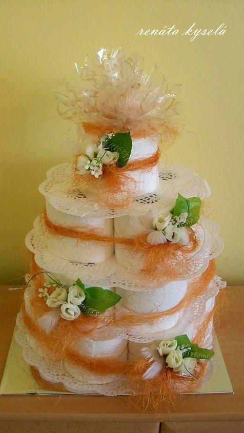 Kvetinová torta z toaletného papiera