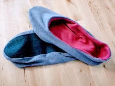 Ako ušiť papuče zo starých tričiek a riflí - foto postup