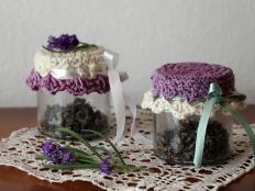 Háčkované vrchnáčiky na poháre s levanduľou - foto postup
