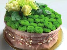 Aranžovanie kytíc – ruže v krabičke a kvetinová torta - foto postup