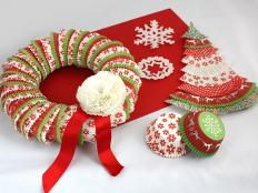 Vianočné dekorácie z košíčkov na muffiny - foto postup