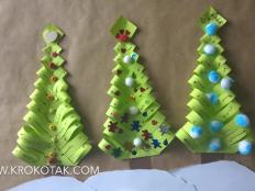 Papierový vianočný stromček, ideálne na tvorenie s deťmi - foto postup