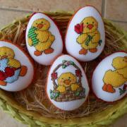 veľkonočné vyšívané polystyrénové  vajíčka
