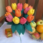 šité tulipány:))