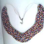 Šitý náhrdelník na filci