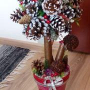 Vianočná šišková dekorácia