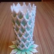 váza z vatových tyčiniek