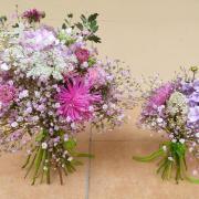 Malá a veľká ružová kytica