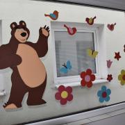 Jarná výzdoba na oknách
