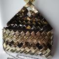 Čierno - zlatá kabelka otvorená