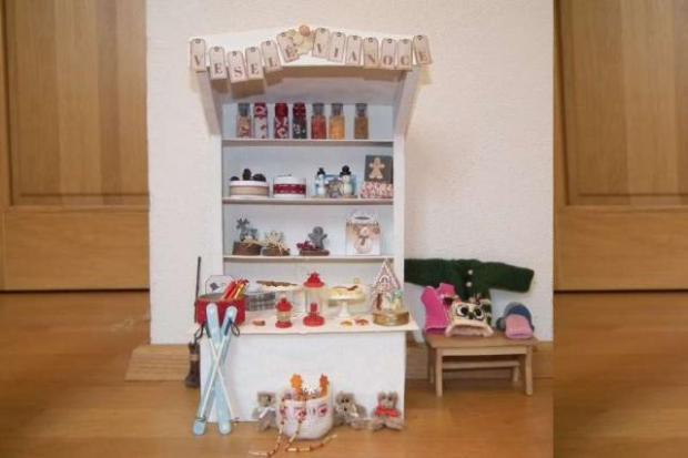 Vianočný stánok pre bábiky 1