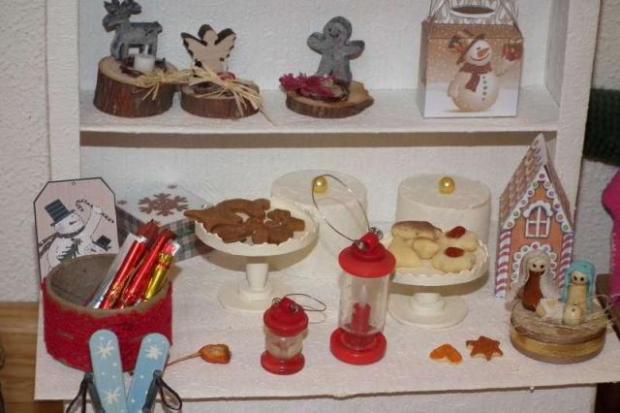 Vianočný stánok pre bábiky 3