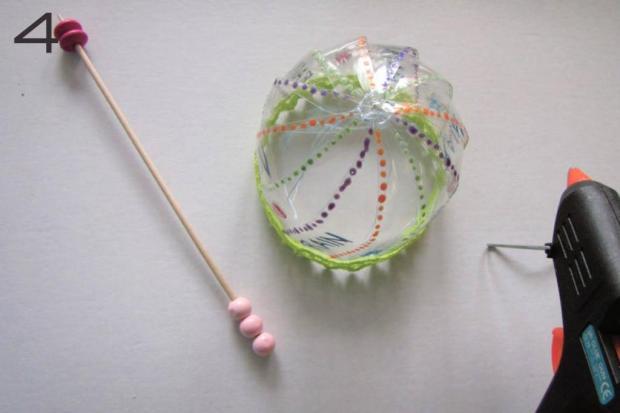 Dáždnik z PET fľaše pre bábiku 5