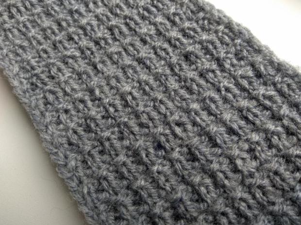 Postup na pletenú čelenku – jednoduchý plastický vzor 7