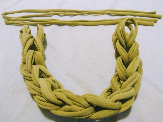 Náhrdelník alebo čelenka zo starého trička 8