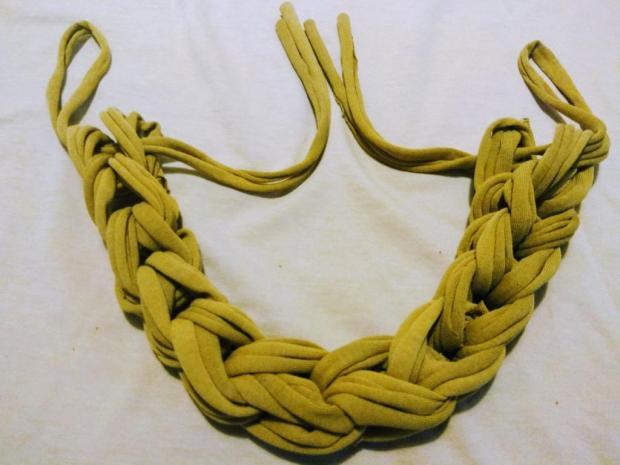 Náhrdelník alebo čelenka zo starého trička 9