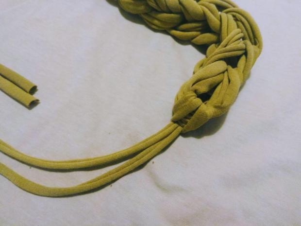 Náhrdelník alebo čelenka zo starého trička 11