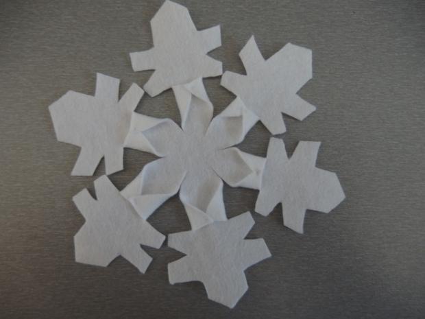 Snehové vločky z flisu  14