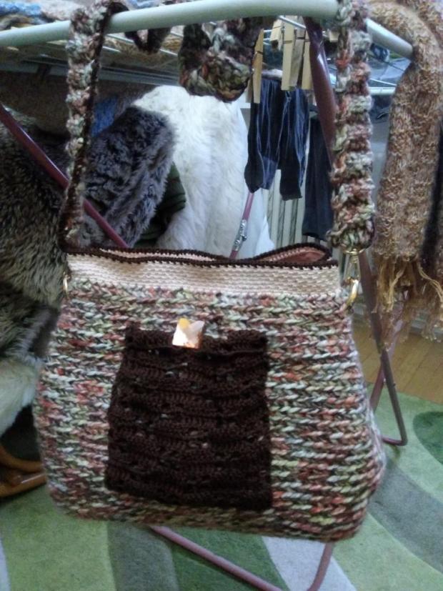 Háčkovaná kabelka pre radosť  4