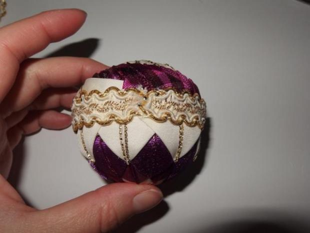 falošný patchwork vianočné gule-špirála 17