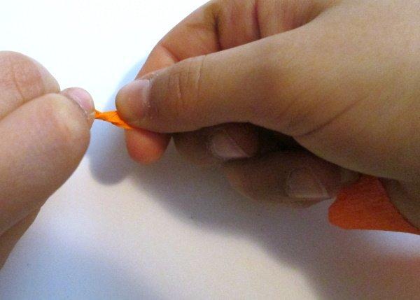 Postup na vajíčka omotané  krepovým papierom 3