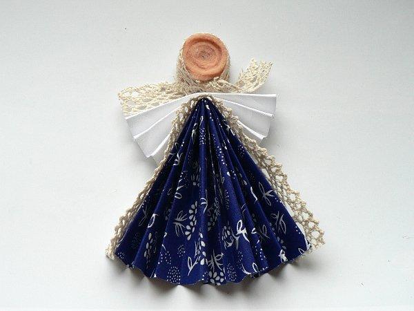 Bábika z modrotlače 7