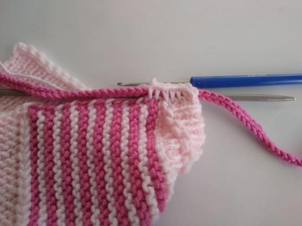 Pletená čiapočka pre bábätko 10