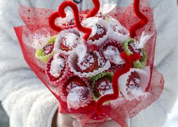 Autor: Fotopostup na výrobu cukríkovej kytice