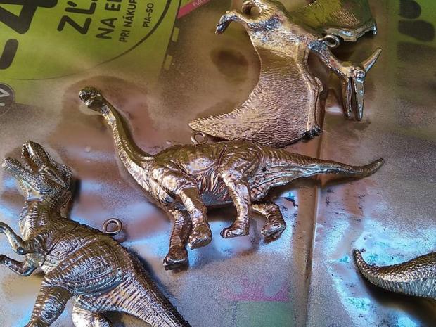 Dinosaurus ako ozdoba na stromček 4
