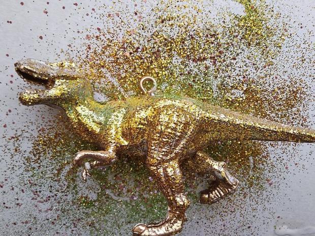 Dinosaurus ako ozdoba na stromček 7