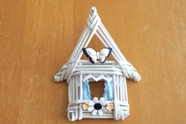 Fotopostup na papierové pletenie - pletený domček 1