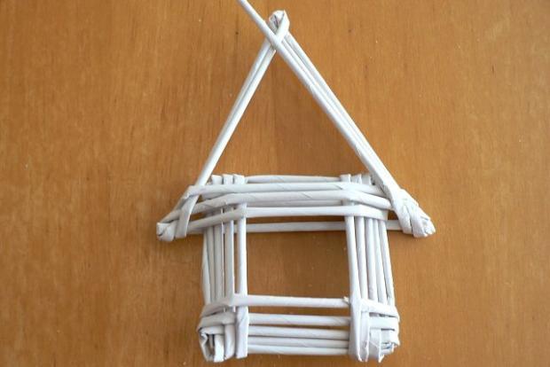 Fotopostup na papierové pletenie - pletený domček 11