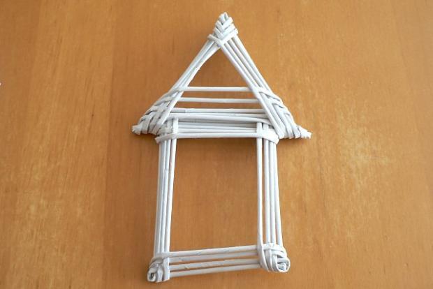 Fotopostup na papierové pletenie - pletený domček 13