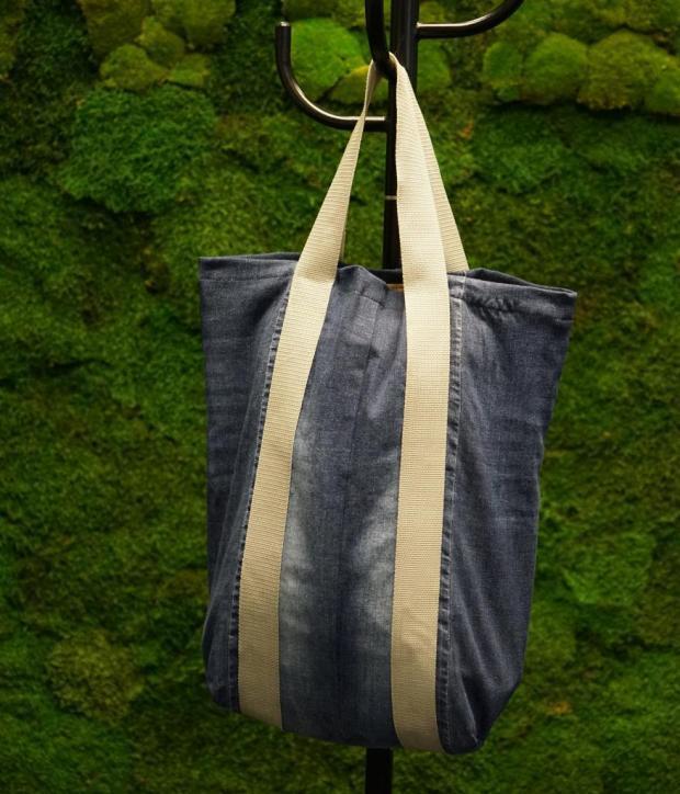Návod na jednoduchú nákupnú tašku zo starých riflí 4