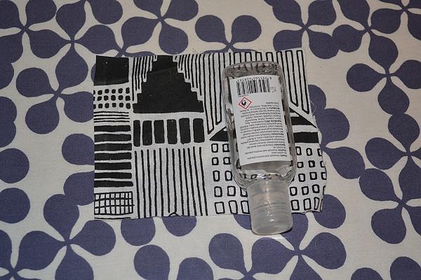 Vyrábame obal na dezinfekciu ako prívesok na tašku 3