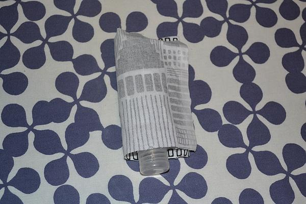 Vyrábame obal na dezinfekciu ako prívesok na tašku 4