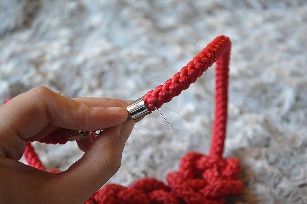 Náhrdelník z lana alebo šnúry IV. červený 13