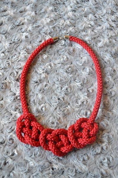 Náhrdelník z lana alebo šnúry IV. červený 14