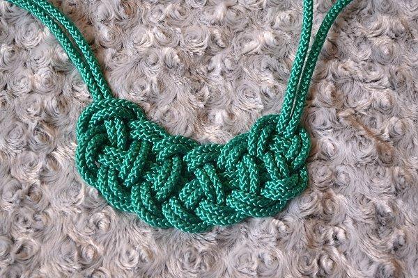Náhrdelník z lana alebo šnúry II. 18