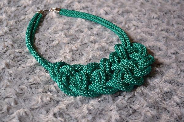 Náhrdelník z lana alebo šnúry II. 20