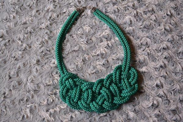 Náhrdelník z lana alebo šnúry II. 1