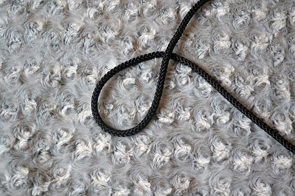 Náhrdelník z lana alebo šnúry III. čierny 1