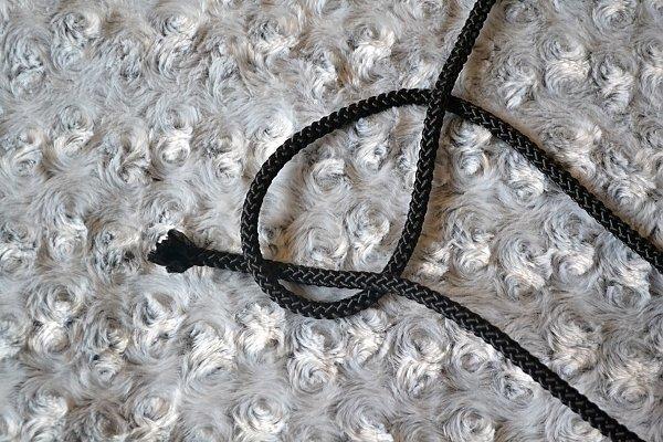 Náhrdelník z lana alebo šnúry III. čierny 2