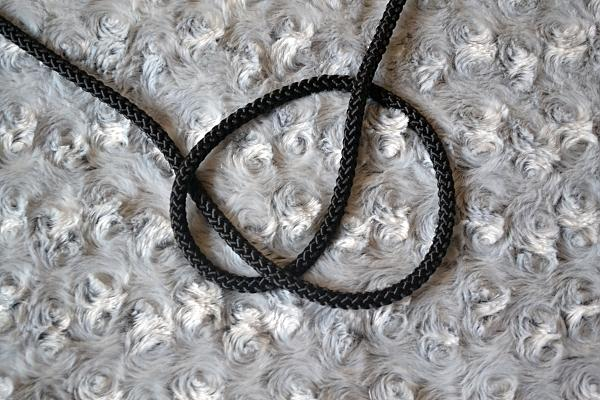 Náhrdelník z lana alebo šnúry III. čierny 4